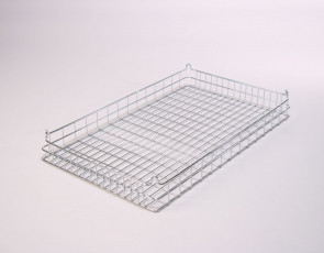 30x18x3 (50x25) Stacking Wire Tray