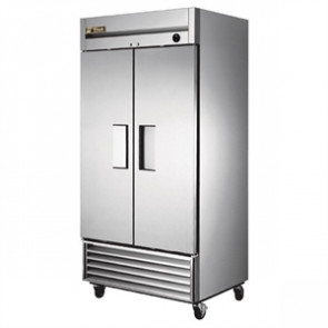 True Upright 2 Door Freezer 991 Ltr