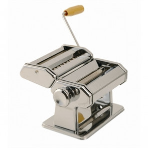 SPECIAL OFFER Vogue Pasta Machine And Free Ravioli Cutter